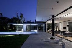Galeria de Casa em Tel Aviv / Pitsou Kedem Architects - 17