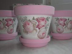 Decoupage Decoupage, Planter Pots, Handmade, Decor, Pink Closet, Bottles, Vases, Painted Flower Pots, Hand Made