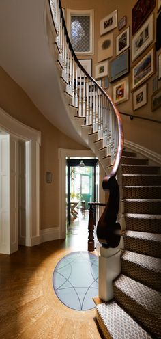 FOYER – great example of an impressive way to welcome guests. Townhouse in Greenwich Village projects, Sawyer Berson.