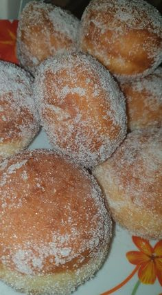 Donuts !!! ~ ΜΑΓΕΙΡΙΚΗ ΚΑΙ ΣΥΝΤΑΓΕΣ 2 Sweet Recipes, Donuts, Hamburger, Cookies, Breads, Foods, Decor, Frost Donuts, Crack Crackers