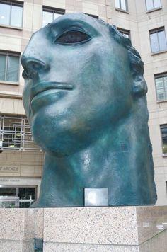 Columbus Courtyard nice art face