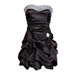 High quality black prom dress in the current must-have puff ball look! The dress has preformed cups incorporated giving you extra support and enhancing the overall design of this dress.