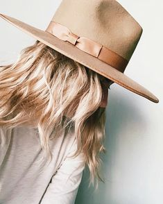 Teak, O Cowboy, Best Winter Hats, Black Fedora, Outfits With Hats, Girly Outfits, Pretty Outfits, Stylish Outfits, Gentleman
