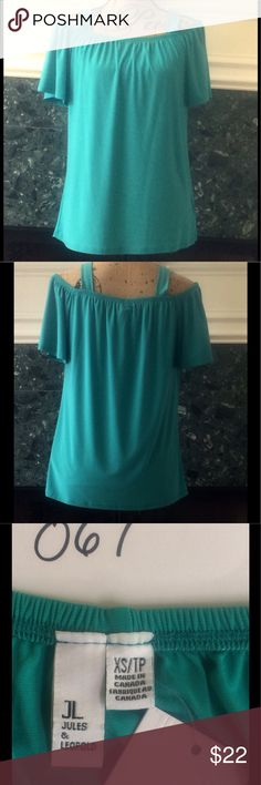 NWT JULES & LEOPOLD TEAL COLD SHOULDER TOP NWT Darker teal cold shoulder top from Jules & Leopold. Elastic throughout neckline/shoulder sleeve area to keep it at the level you like to wear. Perfect with shorts, skirts or pants! 95 poly/5spandex. Ladies XS Jules & Leopold Tops