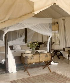 Love this canopy bed with the trunk, exactly what I have in mind when I think of safari style interior. Cottar's Safari Camp - Maasai Mara, Kenya Glamping, Safari Bedroom, West Indies Style, British Colonial Decor, Safari Decorations, Campaign Furniture, Decoration Inspiration, Style Inspiration, Luxurious Bedrooms