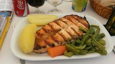 """Pavé de saumon grillé et ses légumes - Carnet de voyage """"Week end à Lisbonne!"""""""