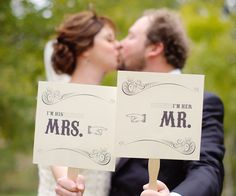 Did you know that you can now register for your wedding on Etsy?