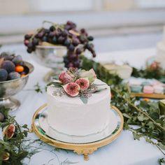Cake delicious by @dagmarpauser on wonderful @lobmeyr Photo: @thomassteibl Direct link in profile #cake #sweet #sweets #weddingcake #wedding #sweettable #weddingplanning #weddingplanner #weddingdesign #destinationwedding #foodporn #instafood #instabride #weddinginspiration