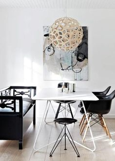 Diningroom/black and white/Eames chair/scandinavian