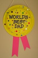 Worlds Best Dad Award fathers day gifts crafts, fathers day crafts for adults, fathers day for husband Best Dad Award Daycare Crafts, Sunday School Crafts, Classroom Crafts, Toddler Crafts, Preschool Crafts, Diy Father's Day Gifts, Father's Day Diy, Fathers Day Art, Preschool Fathers Day Gifts