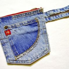Recycled denim pockets pouch tutorial.