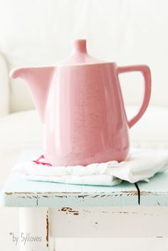 I love this pink pitcher!!!  I love this style of pottery!!!  Maybe Lu-Ray?