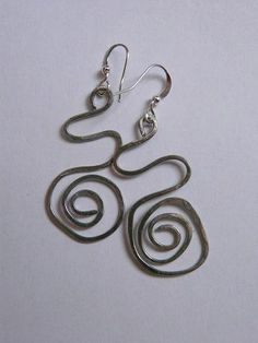 DECOMANIA.CZ - Wire Earrings (picture tutorial or you may need to use a translator tool)