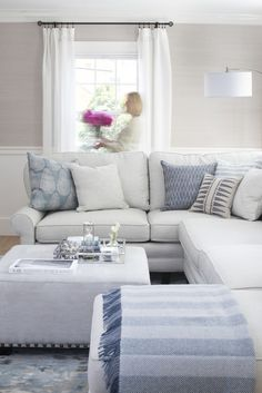 I like the crispness of this look and I keep being drawn to blue - but i have nothing blue in my house.