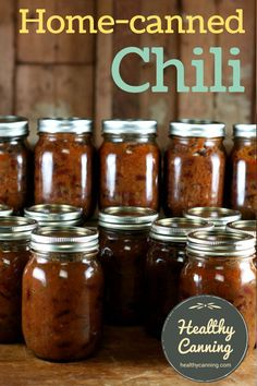 Home Canned Chili. This delicious, homemade, hearty chili is a USDA recipe for home pressure canning. We've made it salt free, and added some spicing. Awesome idea - try a veg version Pressure Canning Recipes, Home Canning Recipes, Canning Tips, Cooking Recipes, Pressure Cooking, Chili Canning Recipe, Garden Canning Ideas, Canning Apples, Gastronomia