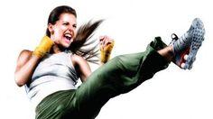 Combina técnicas de boxeo y artes marciales, incluyendo capoeira. Ideal para perder peso, mejorar la flexibilidad y postura y liberarse del estrés. Consejos para la práctica.