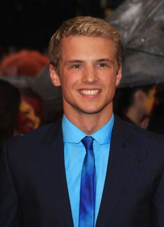 One of the reasons why I liked Pitch Perfect. Freddie Stroma <3