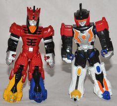 Bandai Power Rangers Jungle Fury Battlize Up Red & Blue Ranger 4  Action Figures