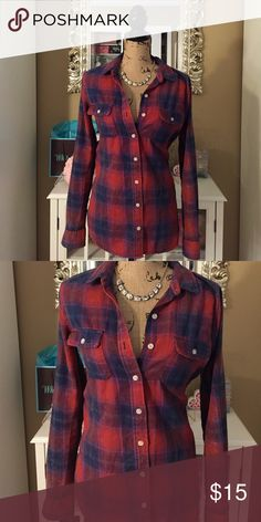 Flannel Long Sleeved Top Super cute & perfect Fall top! Very gently worn 2-3 times maybe? Mossimo Supply Co Tops Button Down Shirts