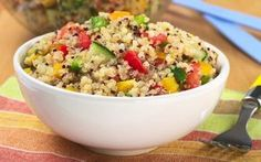 Quinoa is a tiny super food that's packed with protein! Try these new recipes to get your daily quota of quinoa. These recipes look so good, can't seem to find quinoa in the grocery store. Healthy Cooking, Healthy Eating, Cooking Recipes, Healthy Recipes, Healthy Lunches, Healthy Foods, Healthy Grains, Easy Recipes, Amazing Recipes