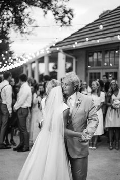 father daughter dance Wedding Reception Music, Wedding Reception Photography, Wedding Photography Inspiration, Wedding Couples, Wedding Bride, Dream Wedding, Wedding Inspiration, Wedding Shot, Wedding Bells