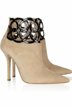 Primavera cutout-cuff suede ankle boots by Oscar de la Renta Suede Ankle Boots, Heeled Boots, Bootie Boots, Suede Booties, Hot Shoes, Shoes Heels, Pumps, Mein Style, Sexy Boots