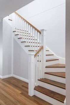 Like the white and wood of these sort of stairs. This shade of wood colour esp, … Like the white and wood of these sort of stairs. This shade of wood colour esp, and for floor too. White Staircase, House Staircase, Staircase Remodel, Staircase Makeover, Staircase Railings, Modern Staircase, Timber Staircase, Painted Staircases, Stairs With White Risers
