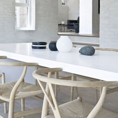 Contemporary dining room design with Hans Wegner Wishbone Chairs, white dining table and Ikea PS MASKROS Pendant. Ikea Dining Room, Dining Room Lighting, Dining Room Design, Living Room Furniture, Dining Area, Ikea Table, White Dining Table, Dining Tables, Danish Design Store