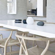 *dining rooms, dining tables, modern interior design* - wegner wishbone chair.