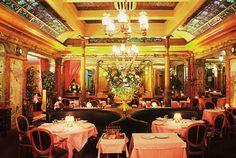 terrasse paris restaurant litterature gay
