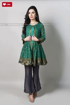 Fashion & Arts - Girls short frock fashion,coat style fashion Source by - Pakistani Fashion Casual, Pakistani Dresses Casual, Pakistani Wedding Outfits, Pakistani Dress Design, New Dresses 2017 Pakistani, Kurti Pakistani, Stylish Dresses For Girls, Stylish Dress Designs, Casual Summer Dresses