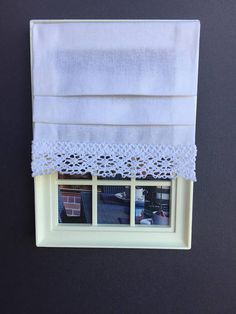 Miniature doll house 12th scale white lace roman blind
