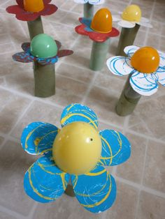 Egg-cellent Flowers: Turn Easter eggs into another symbol of Spring using toilet paper rolls and a little imagination.  Source: Roots of Simplicity