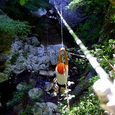 GOLE DI CACCAVIOLA Nel corso dei secoli l'acqua del torrente Titerno ha scavato le rocce del monte Civita formando grotte, piscine naturali e cascate. Oggi perlustrabili grazie ad un apposito (e sicurissimo) percorso.