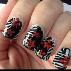 Zebra nails Us Nails, Love Nails, How To Do Nails, Hair And Nails, Wild Nail Designs, Zebra Nails, Amazing Nails, Finger Nails, Black Nails