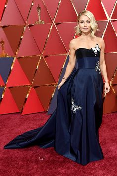 Kelly Ripa attends the 89th Annual Academy Awards in LA on Feb. 26, 2017 There were so many gorgeous Oscars dresses at the award show so see who made our best dressed at the Academy Awards list and let us know which look you loved the most!