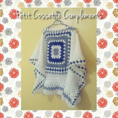 Poncho cuadrado granny de la abuela. Una prenda indispensable para esas tardes de otoño... Tejida a crochet artesanalmente.