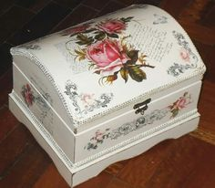 This would make a lovely keepsake box for treasured love letters. Decoupage Box, Decoupage Vintage, Altered Cigar Boxes, Craft Projects, Projects To Try, Diy Bottle, Painted Boxes, Diy And Crafts, Decorative Boxes