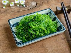 Wakame, a dark green, leafy seaweed is the most common type used for this salad. Mild-tasting arame and hijiki are also good choices. They can be bought at Asian grocery stores. Sea Vegetables, Veggies, Seaweed Salad Recipes, Wakame Salad, Asian Grocery, Asian Recipes, Ethnic Recipes, Rice Vinegar, Salads