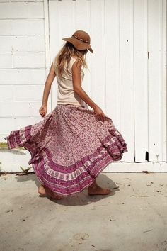 bare feet, flowy skirts, tanks and messy hair for life