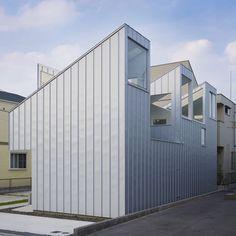 Complex House by Tomohiro Hata