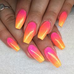 Sunset nails nail designs bling в 20 Acrylic Nails Stiletto, Best Acrylic Nails, Summer Acrylic Nails, Spring Nails, Coffin Nails, Nail Designs Bling, Nail Art Designs, Neon Nails, My Nails