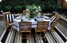 BLack & White outdoor dining