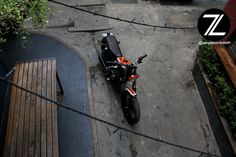suzuki big boy/grass tracker, cafe racer 250cc designed by Zero de Conduite, custom moto cambodia. #suzuki #caferacer