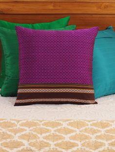 New diy pillows designs fabrics Ideas Blue Pillows, Diy Pillows, Decorative Pillows, Throw Pillows, Cushion Cover Designs, Cushion Covers, Pillow Covers, Pillow Design, Fabric Design