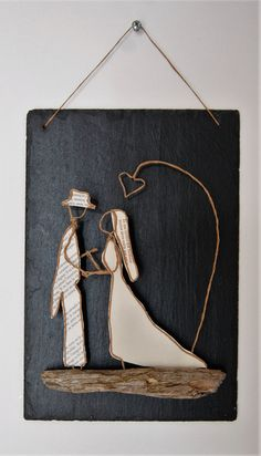 old pages and either twine or wire.WeddingDriftwood, old pages and either twine or wire. Wire Crafts, Crafts To Do, Arts And Crafts, Papier Kind, Sculptures Sur Fil, Wire Art Sculpture, Wire Sculptures, Money Bouquet, Art Quilling