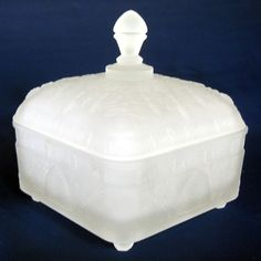 Tiara Indiana Glass Clear Frosted Etched Crystal Honey Bee Box & Cover #IndianaGlass