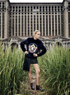 Carolyn Murphy by Max Vadukul for Elle US September 2014