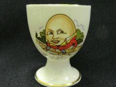 ~ Humpty Dumpty Egg Cup Vintage Egg Cups, Vintage Plates, Vintage Easter, Vintage Kitchen, Novelty Egg Cups, New Egg, Pie Bird, Little Cup, Storybook Cottage