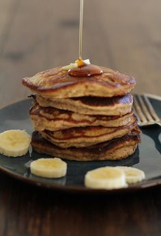Banana Bread Almond Flour Pancakes - The Roasted Root. Sub almond flour. Banana Bread Almond Flour, Almond Flour Pancakes, Make Banana Bread, Almond Flour Recipes, Pancakes And Waffles, Almond Meal, Banana Pancakes, Gluten Free Baking, Gluten Free Recipes